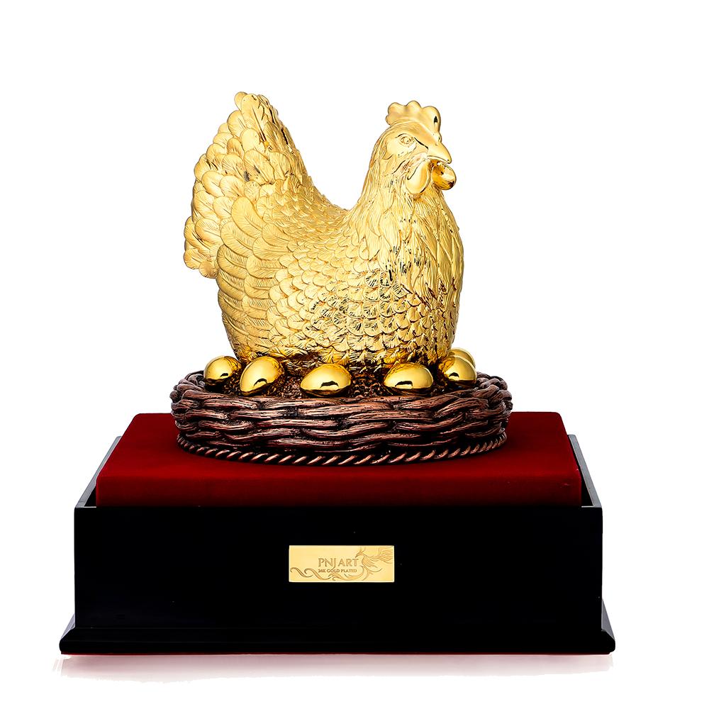 Tượng Gà Mái Ấp Trứng Vàng PNJ Art Y000010